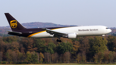 A picture of N391UP - Boeing 767304(ER)(BDSF) - UPS - © Paul Buchröder