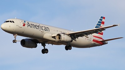 A picture of N545UW - Airbus A321231 - American Airlines - © Zachary Bogart