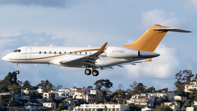 N214MD - Bombardier BD-700-1A11 Global 5000 - Private
