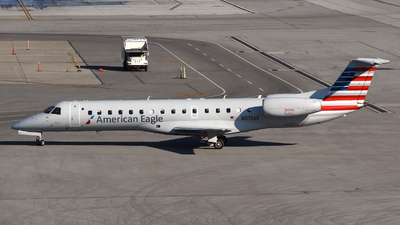 A picture of N815AE - Embraer ERJ140LR - American Airlines - © DJ Reed - OPShots Photo Team