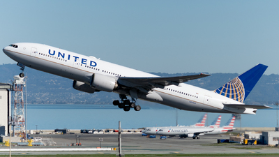 A picture of N214UA - Boeing 777222 - United Airlines - © global_flyer1