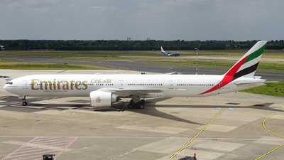 A6-ECE - Boeing 777-31HER - Emirates