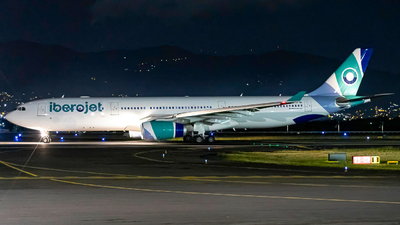 A picture of ECMII - Airbus A330343 - Iberojet - © Osvaldo Arce