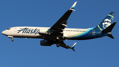 A picture of N565AS - Boeing 737890 - Alaska Airlines - © Huy Do
