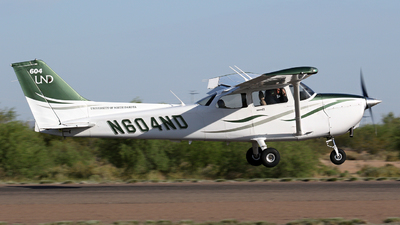 N604ND - Cessna 172S Skyhawk SP - University Of North Dakota