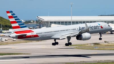 A picture of N186AN - Boeing 757223 - [32380] - © Nigel Steele