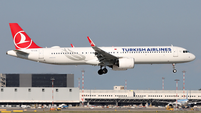 A picture of TCLSL - Airbus A321271NX - Turkish Airlines - © Arianna Iori