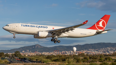 A picture of TCJDP - Airbus A330243F - Turkish Airlines - © JM Deza