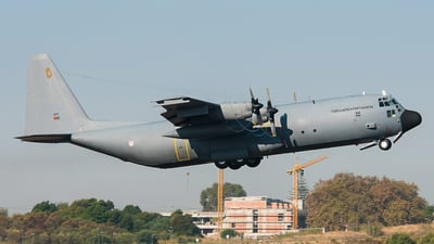 16801 - Lockheed C-130H-30 Hercules - Portugal - Air Force