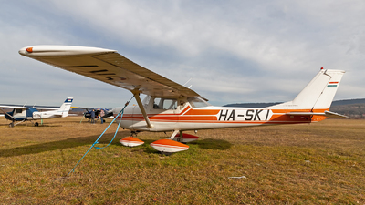 HA-SKI - Cessna 150G - Private