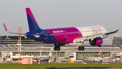 A picture of HALVK - Airbus A321271NX - Wizz Air - © Rafal Pruszkowski