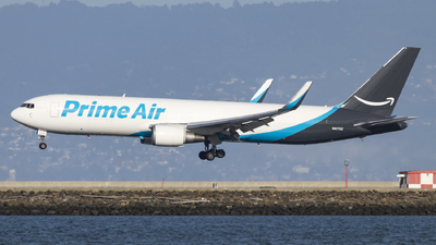 A picture of N457AZ - Boeing 767323(ER)(BDSF) - Air Transport International - © David Lee