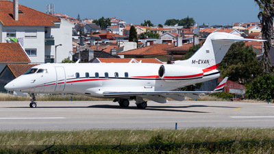 M-EVAN - Bombardier BD-100-1A10 Challenger 300 - Private