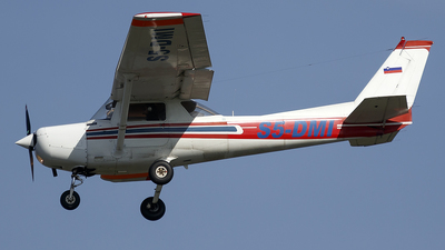 S5-DMI - Reims-Cessna F152 - Private