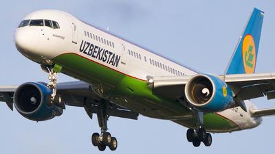 A picture of UK75702 - Boeing 75723P - Uzbekistan Airways - © Ervin Eslami (uk.jets)
