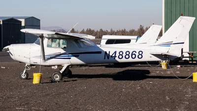 A picture of N48868 - Cessna 152 - [15281013] - © Alec Mollenhauer