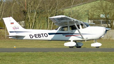D-EBTO - Cessna 172S Skyhawk SP - Private