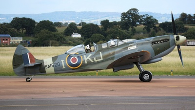G-ILDA - Supermarine Spitfire T.9 - Private