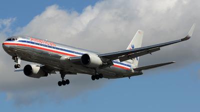 N357AA - Boeing 767-323(ER) - American Airlines