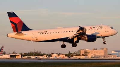 A picture of N342NW - Airbus A320212 - Delta Air Lines - © Doug Marsh