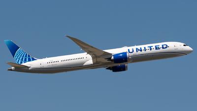 A picture of N13013 - Boeing 78710 Dreamliner - United Airlines - © Sebastian K