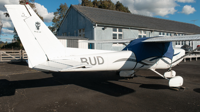 ZK-BUD - Cessna 152 - Private