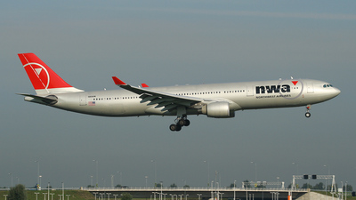 N806NW - Airbus A330-323 - Northwest Airlines