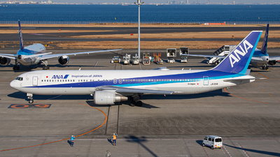 A picture of JA611A - Boeing 767381(ER) - All Nippon Airways - © Yukemaro