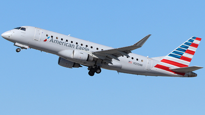 A picture of N205NN - Embraer E175LR - American Airlines - © Nate Morin