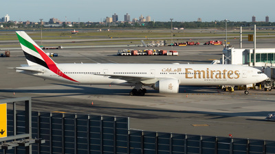 A6-ECH - Boeing 777-31HER - Emirates