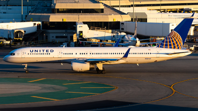A picture of N12125 - Boeing 757224 - United Airlines - © Nick Sheeder
