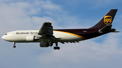 A picture of N137UP - Airbus A300F4622R - UPS - © Chrisjake