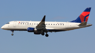 A picture of N252SY - Embraer E175LR - Delta Air Lines - © Jay Cassady