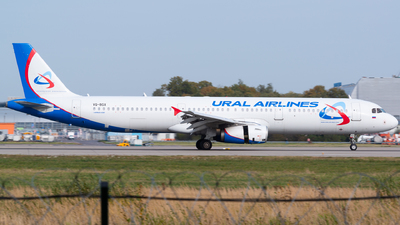 A picture of VQBGX - Airbus A321231 - Ural Airlines - © Addra Steddman