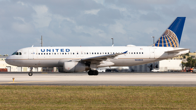 A picture of N448UA - Airbus A320232 - United Airlines - © Alexandre Fazan