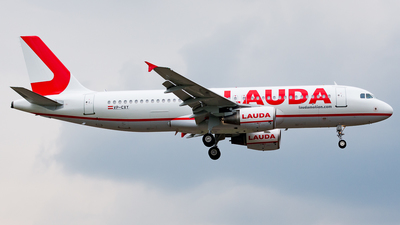 VP-CXY - Airbus A320-214 - LaudaMotion