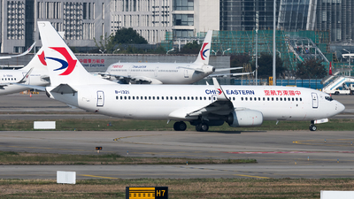 A picture of B1321 - Boeing 73789P - China Eastern Airlines - © Lazy Clutch