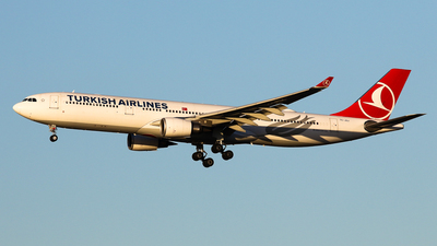 TC-JOJ - Airbus A330-303 - Turkish Airlines