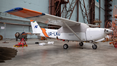 UR-LKU - Cessna 172RG Cutlass RG - Private