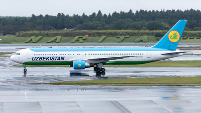 UK-67006 - Boeing 767-33P(ER) - Uzbekistan Airways