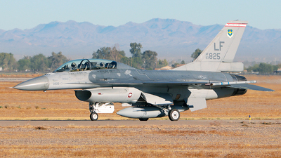 93-0825 - General Dynamics F-16B Fighting Falcon - United States - US Air Force (USAF)