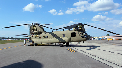 10-08813 - Boeing CH-47F Chinook - United States - US Army