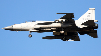 18-253 - Chengdu JF-17 Thunder - Pakistan - Air Force