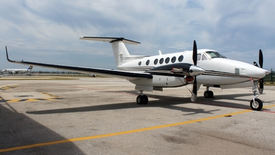 ZS-TEG - Beechcraft 200 Super King Air - Private