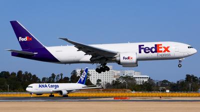 A picture of N851FD - Boeing 777FS2 - FedEx - © Shogo Kawai