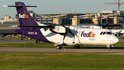 N910FX - ATR 42-300(F) - FedEx Feeder (Mountain Air Cargo)