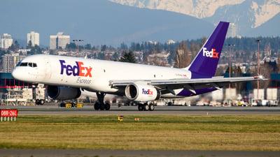 A picture of CFMAI - Boeing 7572B7(SF) - FedEx - © Chung Kwok