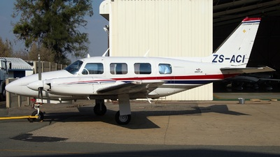 ZS-ACI - Piper PA-31-310 Navajo - Private