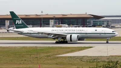 AP-BMG - Boeing 777-2Q8(ER) - Pakistan International Airlines (PIA)