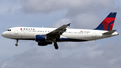 A picture of N334NW - Airbus A320212 - Delta Air Lines - © La Roche Spotters
